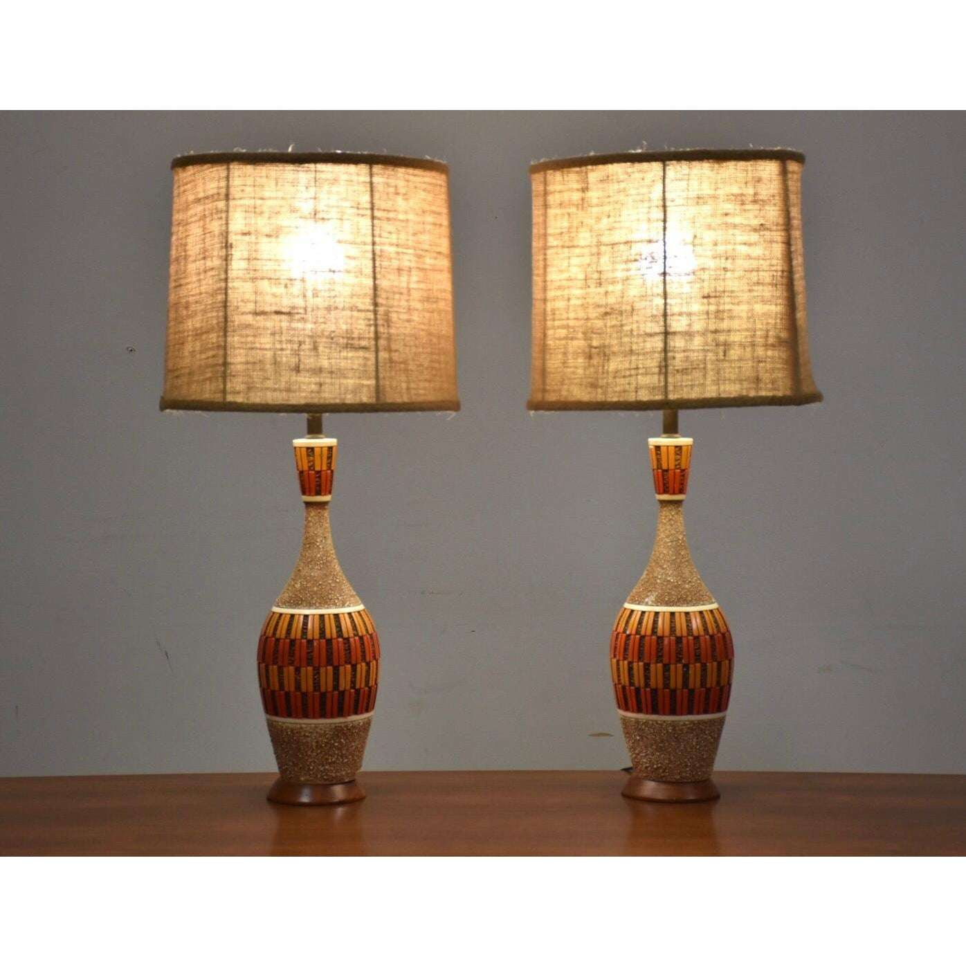 Mid Century Modern Table Lamps By Quartite A Pair Mixed Modern Furniture Mid Century Furniture Dealer